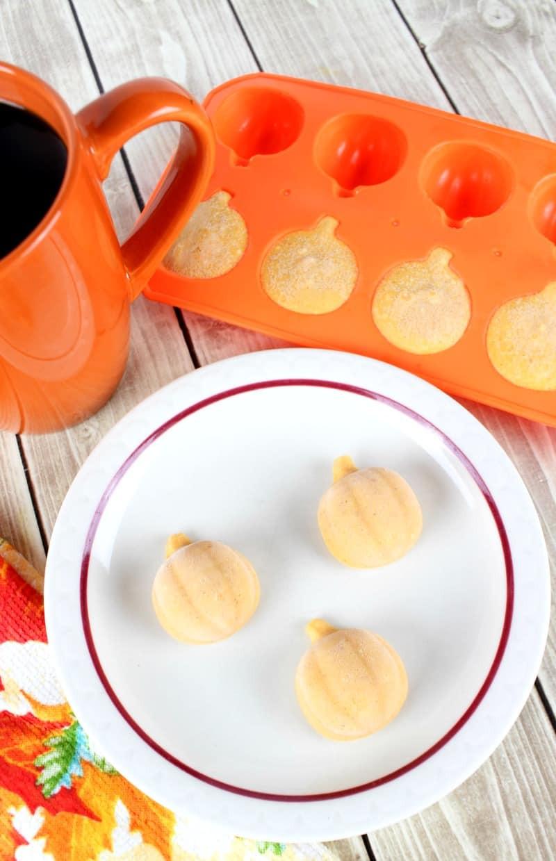 Pumpkin Keto Fat Boms  Easy Pumpkin Keto Fat Bombs